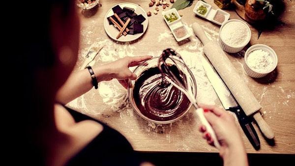 Σοκολάτα κουβερτούρα: Λιώνει για χάρη μας...Αλλά πόσα πραγματικά γνωρίζουμε γι' αυτήν;