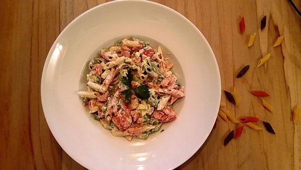 Σαλάτα ζυμαρικών με τόνο και λαχανικά
