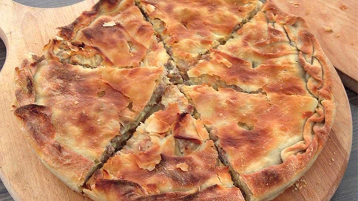 Οι πίτες είναι αναπόσπαστο κομμάτι της ελληνικής κουζίνας και όσα χρόνια κι αν περάσουν, θα είναι αγαπημένο πιάτο στα τραπέζια μας και γενικά στις προτιμήσεις μας. Ποια είναι όμως εκείνα τα μυστικά που τις κάνουν μοναδικές και καμία νοικοκυρά δε θα σου αποκαλύψει;