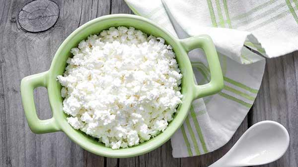 Το cottage cheese στο μικροσκόπιο: Είναι ελληνικό; Περιέχει συντηρητικά; Να το επιλέξουμε;