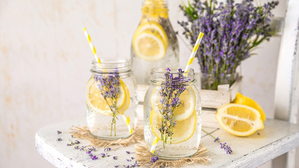 Το θαυματουργό ποτό με το οποίο θα απαλλαγείτε από το άγχος και τους πονοκεφάλους