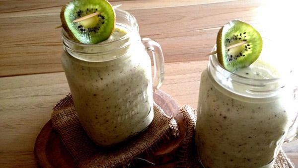 Χορταστικό smoothie με ακτινίδιο και μπανάνα