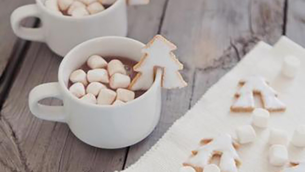 8 συνταγές σε μια έξυπνη κάρτα για να πετύχετε την τέλεια ζεστή σοκολάτα