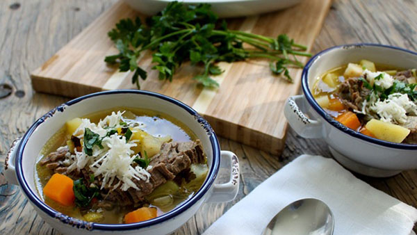 Επιτέλους κρεατόσουπα με λαχανικά ιδανική για εσάς και το μωράκι σας