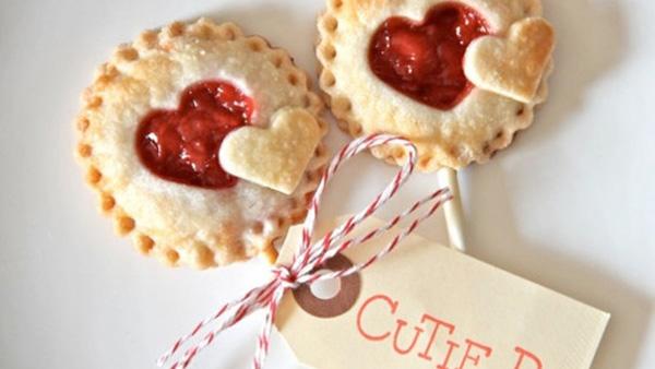 Λαχταριστά pie pops στο λεπτό! Η τέλεια ιδέα για παιδικό party