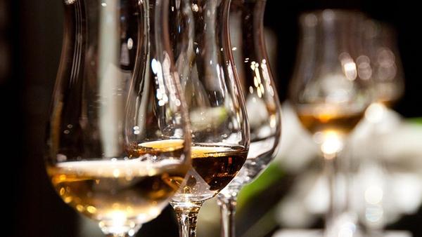 3 τιπς για να μην ζαλιστείς από το ποτό στις γιορτές