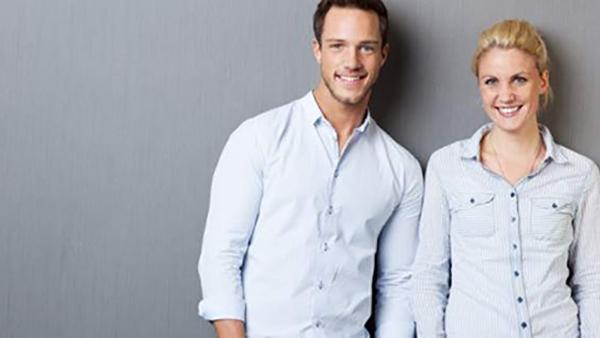 Το ήξερες; Γιατί τα κουμπιά στα αντρικά και τα γυναικεία πουκάμισα είναι σε αντίθετες πλευρές;