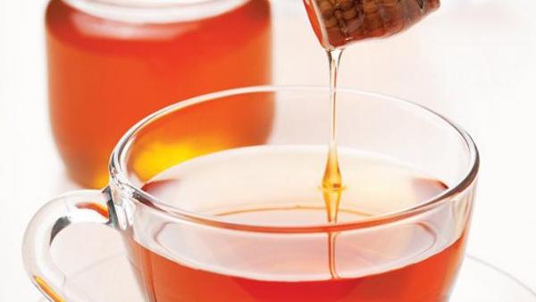 Τσάι με μέλι! Αυτό είναι το καλύτερο αντιβιοτικό!
