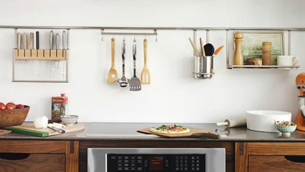 Αδειάστε τον πάγκο της κουζίνας σας από όσα δεν χρησιμοποιείτε