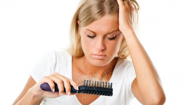 Πέφτουν τα μαλλιά σας; Αυτό είναι το φυσικό μυστικό του 1''!