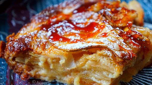 Γλυκό ψωμί με μήλα και κανέλα για πρωινό καφέ!