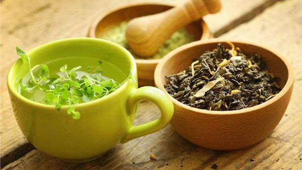 Φτιάξτε Τονωτική Αντιοξειδωτική Μάσκα Προσώπου με πράσινο τσάι