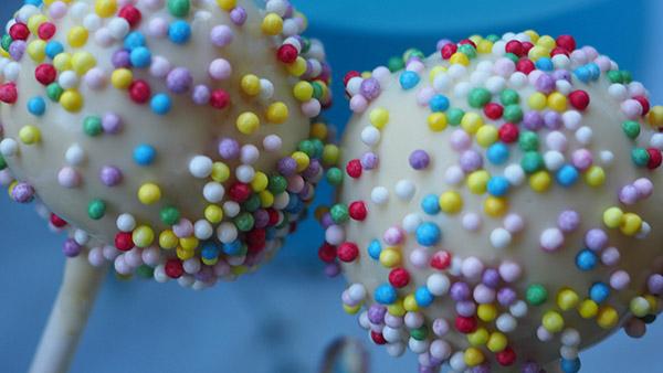 Χιονόμπαλες με μπισκότο oreo που δεν θέλουν ψήσιμο! (video)