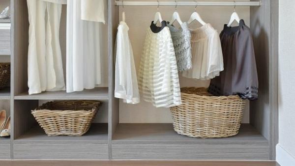 Αυτά τα είναι τα 4 tips που θα σας χαρίσουν μυρωδάτα ρούχα στη ντουλάπα