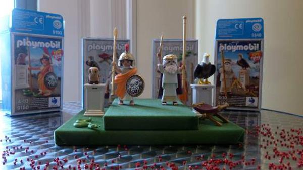 Η PLAYMOBIL σχεδίασε ελληνικές φιγούρες! -Ο Δίας και η Αθηνά μαγεύουν μικρούς και μεγάλους