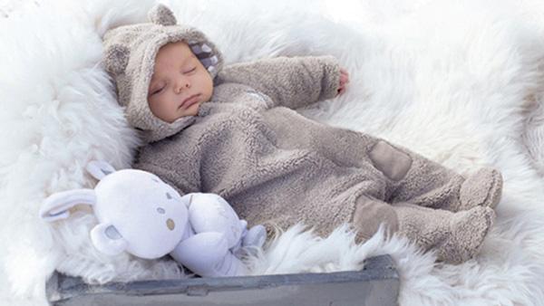 Σκουφάκια,Μποτάκια,Κουβερτούλες..τα πιο στιλάτα χειμωνιάτικα αξεσουάρ για τα μωρά σας!