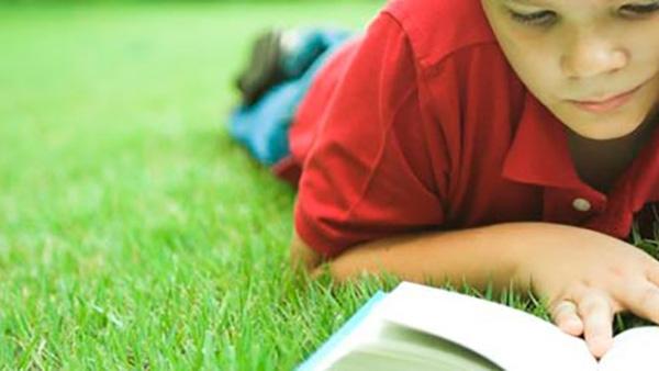 Πώς να βοηθήσετε τα πρωτάκια σας να ξεπεράσουν τα προβλήματα με την ανάγνωση
