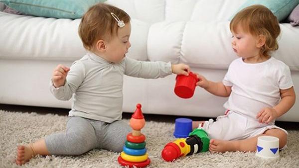 Τα παιχνίδια που πρέπει να επιλέξετε για τον πρώτο χρόνο της ζωής του παιδιού σας!