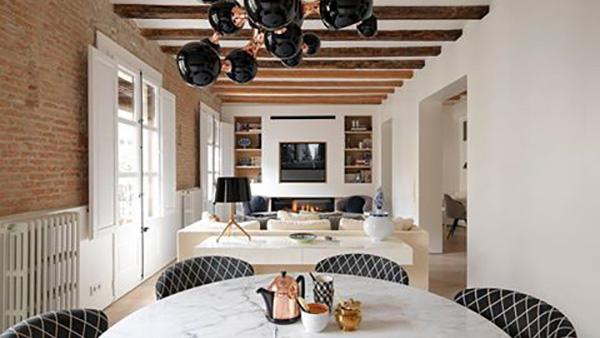 Όταν το απλό γίνεται εντυπωσιακό: φωτογραφίες από το σπίτι της Διευθύντριας των Minotti London στη Βαρκελώνη