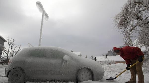 Γιατί δεν πρέπει να προθερμαίνετε τον κινητήρα του αυτοκινήτου σας τον χειμώνα