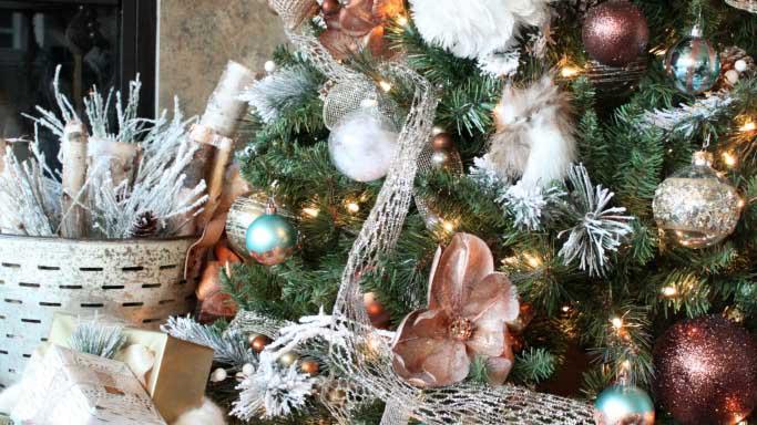 Copper: η λαμπερή μόδα στη Χριστουγεννιάτικη διακόσμηση!