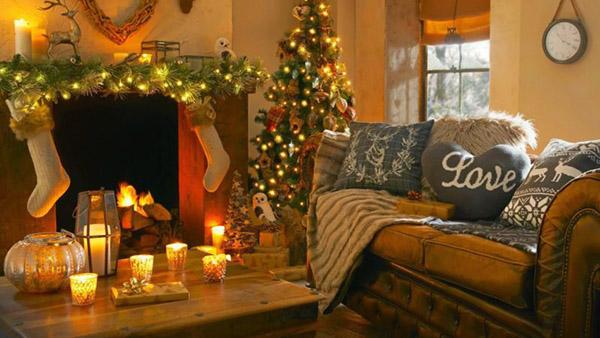 20 Χριστουγεννιάτικες ιδέες για το τραπεζάκι του σαλονιού