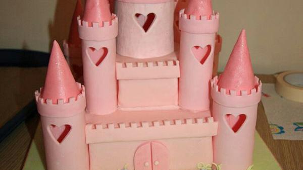 Πώς να φτιάξετε μόνοι σας μια Φανταστική Τούρτα Γενεθλίων Κάστρο!