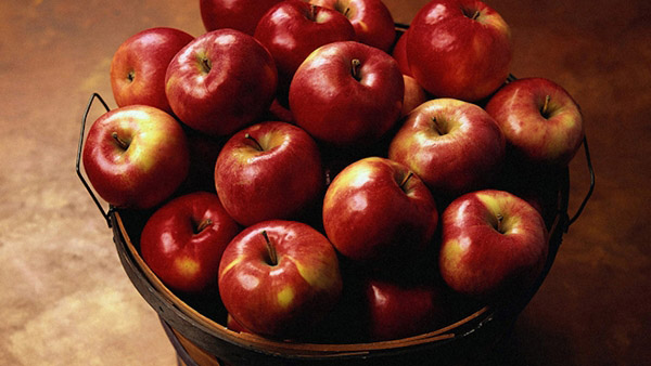 Πανέξυπνο: Αυτός Είναι ο Καλύτερος Τρόπος για να Κόβουμε τα μήλα! [Βίντεο]