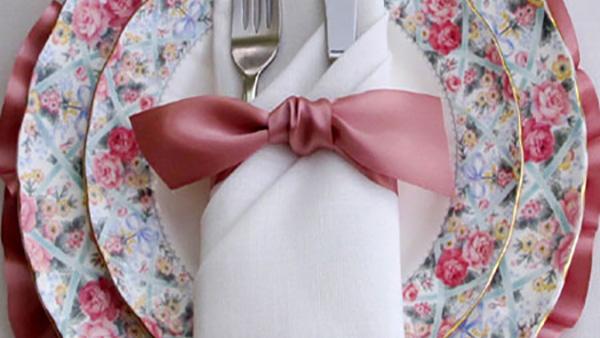 2 Πανεύκολοι τρόποι για να διπλώσετε τις πετσέτες σας σε γιορτινό τραπέζι!