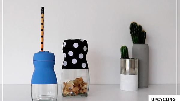 DIY ανακύκλωσης: φτιάξτε πανέξυπνες ξύστρες από άδεια βάζα Nescafe!