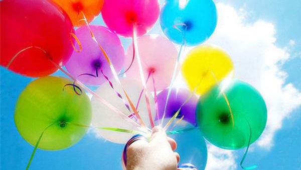 Απίστευτο DIY: δείτε πώς να φτιάξετε μπαλόνια που πετάνε χωρίς ήλιο (video)!