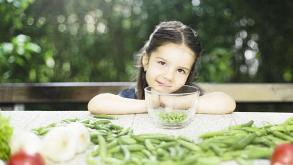 5 έξυπνα μαγειρικά τρικ για «πειραγμένα» λαδερά που θα λατρέψουν τα παιδιά