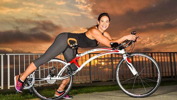 ΝΕΟ φουτουριστικό ποδήλατο που το οδηγείς ΞΑΠΛΩΜΕΝΟΣ και αισθάνεσαι ότι πετάς!