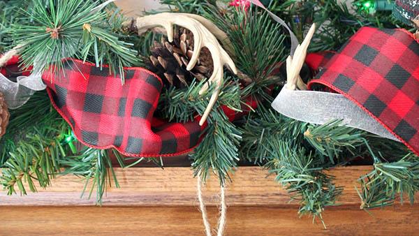 DIY της τελευταίας στιγμής: βάλε Χριστουγεννιάτικες πινελιές σε όλο το σπίτι!
