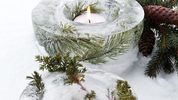 DIY Πρωτότυπο Κηροπήγιο φτιαγμένο από Πάγο για το εξωτερικό του σπιτιού!