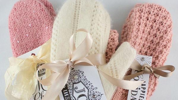 Πώς να φτιάξετε μάλλινα γάντια για το χειμώνα από το παλιό σας πουλόβερ!