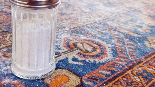 Φτιάξε αυτή τη μαγική σκόνη για στεγνό καθάρισμα των χαλιών σου κι εξοικονόμησε χρήματα