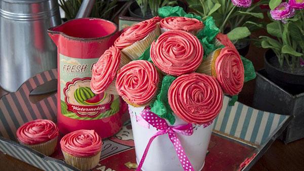 Το ωραιότερο δώρο για τις μανούλες! Ένα μπουκέτο cupcakes!!