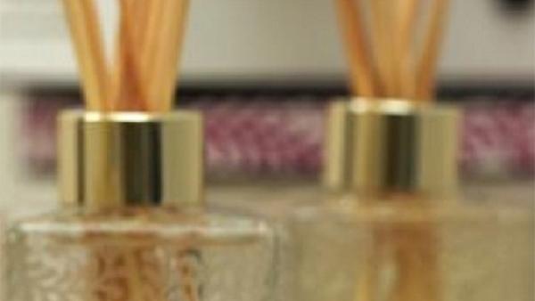 Με αυτό το σπιτικό αρωματικό χώρου θα κάνετε το σπίτι σας να μυρίζει καλοκαίρι! Δείτε πως…