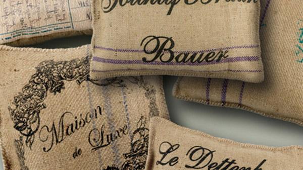 Φτιάχνουμε βήμα βήμα Vintage Μαξιλαράκια από Λινάτσα – χωρίς ράψιμο!