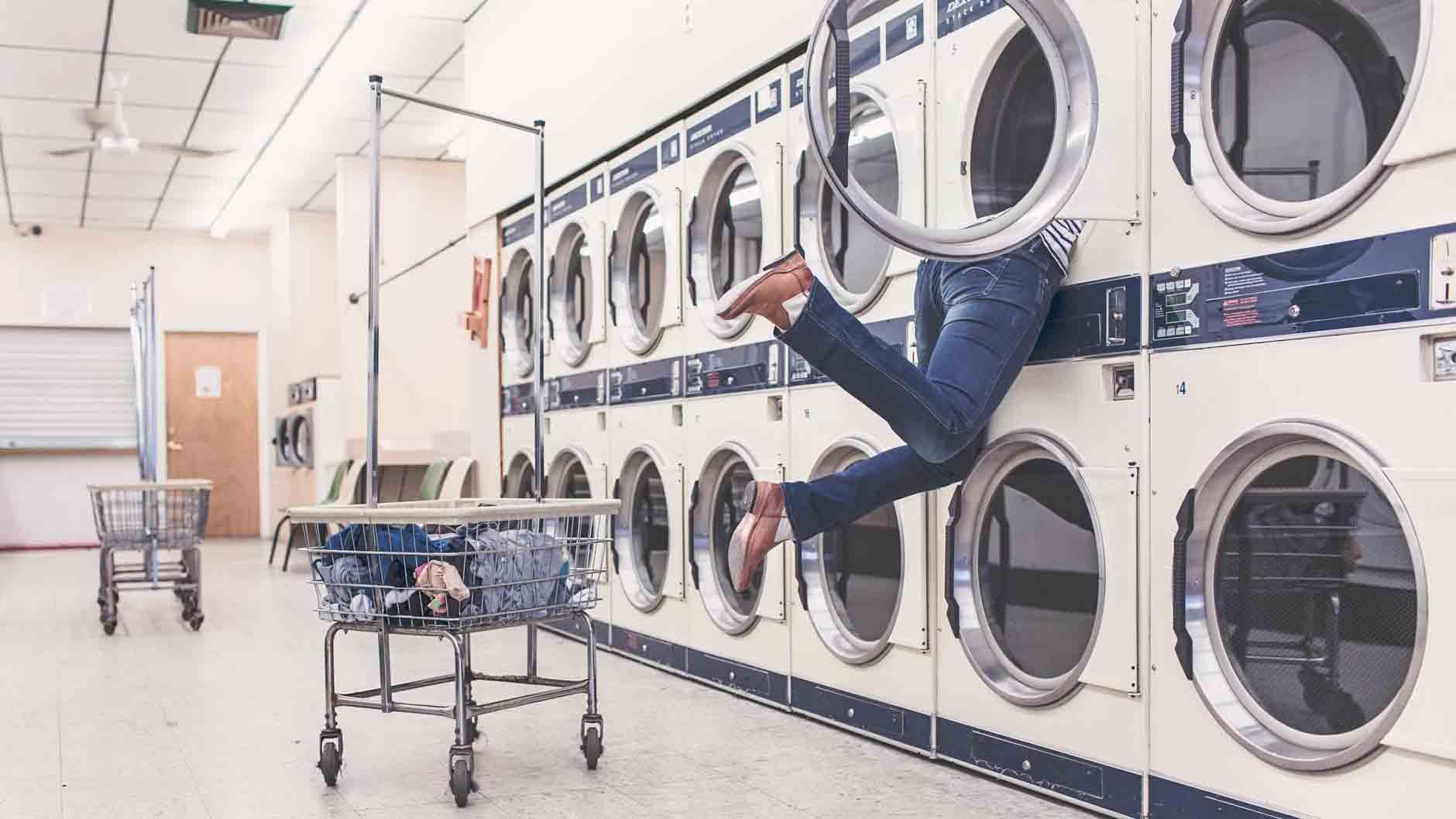Πώς να επιλέξω το νέο μου πλυντήριο ρούχων; Αυτά τα 3 σημεία πρέπει να προσέξεις.