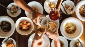 Πόσο υγιεινά και μεσογειακά τρώμε άραγε οι Έλληνες σήμερα;