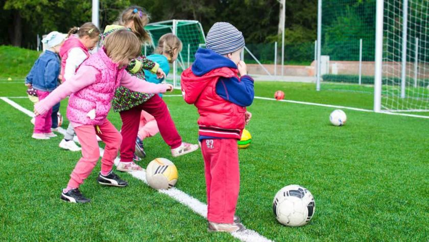 Τα παιδιά έχουν επίπεδα ενέργειας μεγαλύτερα από τους αθλητές αντοχής, λένε οι επιστήμονες