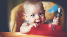 Μανούλες προσοχή! Σε κίνδυνο τα παιδιά από τα πλαστικά που μπαίνουν στο πλυντήριο ή τα μικροκύματα!