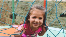 Οδηγός επιβίωσης στην παιδική χαρά με 5 βασικούς κανόνες