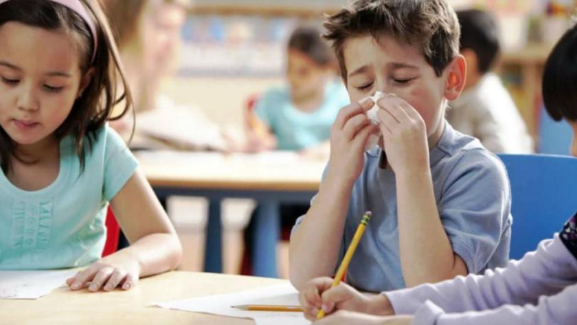 Μέτρα πρόληψης στα σχολεία κατά του Η1Ν1 από τους Διασώστες του ΕΚΑΒ